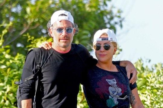 Kas Lady Gaga on salaja kihlunud?