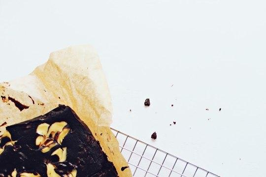 Šokolaad kapist välja: jahuvaba brownie toorjuustuga