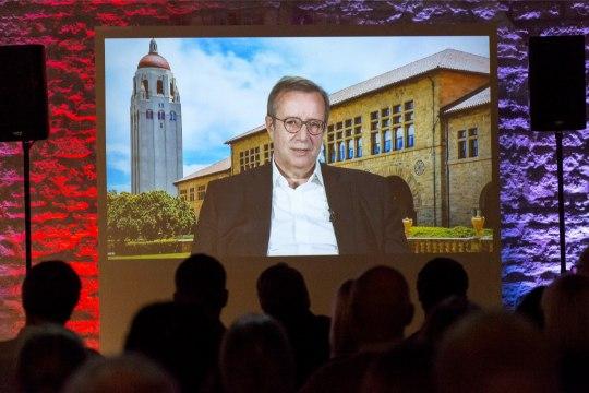 VIHANE PRESIDENT ILVES: Eesti ID-kaardi tootja mõnitab ning käitub rassistlikult ja natslikult