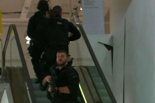 Фото: на станции метро в Лондоне прогремели выстрелы