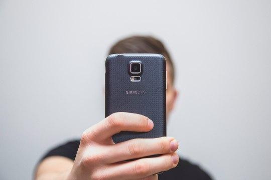 TESTI ENNAST (JA OMA NAIST): kas teid on nakatanud selfiit?