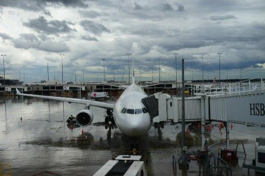 TÕDE VÕI MÜÜT? Reisieksperdid avaldavad, kuidas tegelikult pühade ajaks odavamaid lende leida