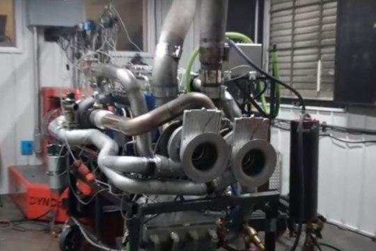 VIDEO   MIDA PÕRGUT: vaata, kuidas ületuunitud mootor dünopingis plahvatab