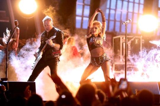 Lady Gaga sadomasojakike ei üritanudki tema rindu varjata