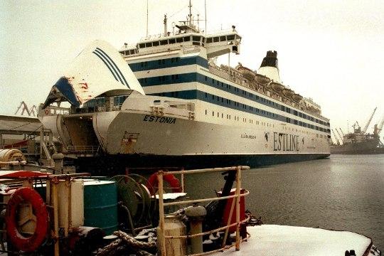 USKUMATU VANDENÕUTEOORIA: parvlaev Estonia uputati varjamaks, et Olof  Palme on HIVi nakatunud ega olegi surnud!