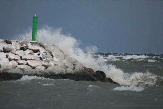 Tormihoiatus: tuul lõõtsutab puhanguti kuni 25 meetrit sekundis