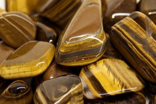 VÄLDI KEVADVÄSIMUST JA TÕSTA ENESEKINDLUST – kuidas kristallid aitavad?