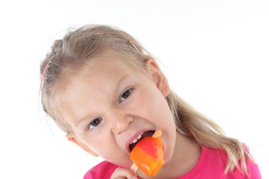 OLE ETTEVAATLIK: nende kaheksa toidu söömine suvel võib kaasa tuua tõsised tervisehäired