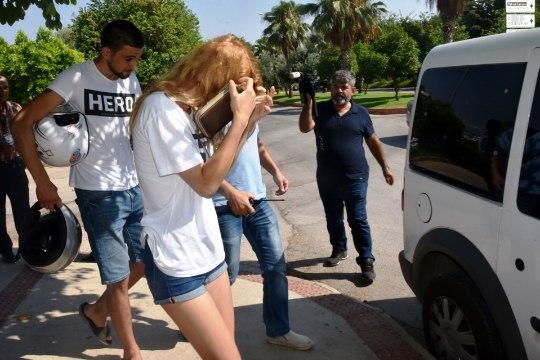 Kas türklaste kantav T-särk kannab tõesti kodeeritud sõnumit?