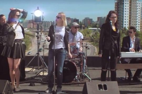VALIMISLIIT TAHAB OMA VIDEOT: Jufereva tantsis ja laulis linnavalitsuse maja katusel, meie tahame ka!