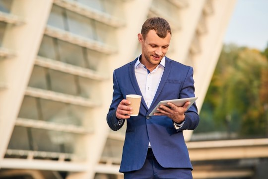 6 asja, mida edukad mehed teevad esmaspäeva hommikul