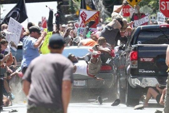 """Ohvri ema Charlottesville'i autoterroristist: """"Mul on kahju, et ta valis sellise tee."""""""