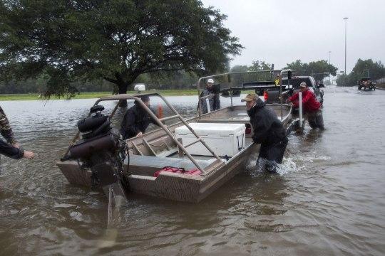 ORKAAN HARVEY VÕI KURI KÄSI: Houstoni büroohoones toimus plahvatus