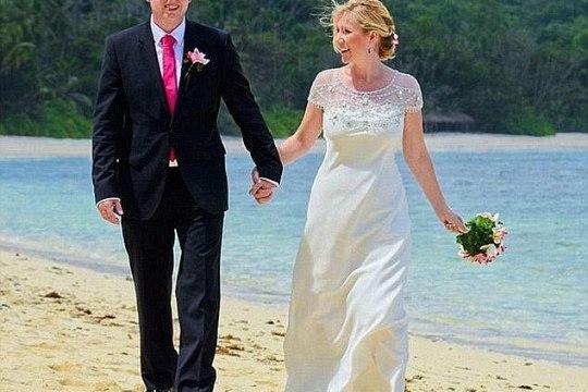 Жена узнала, что её муж двоеженец, кода он появился под руку с другой на телешоу