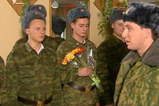 Российский солдат разогрел еду, сжег БТР за 28 миллионов и попал на ВИДЕО
