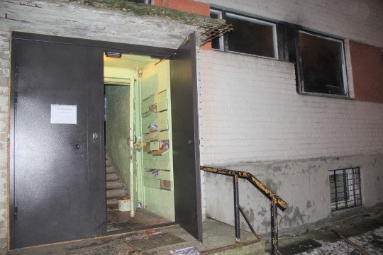 Фото: в сгоревшей квартире в Кивиыли нашли два трупа