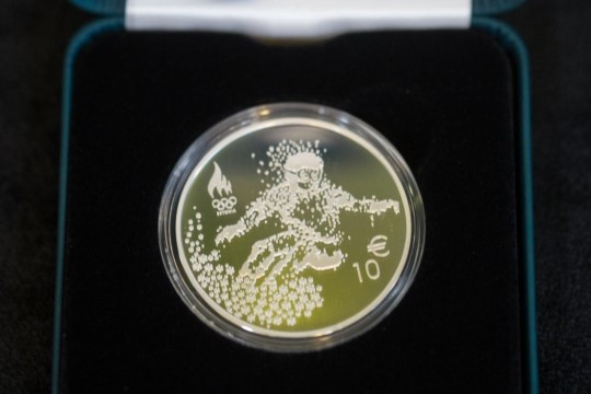 ФОТО: Банк Эстонии представил олимпийские монету и марку
