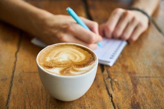 Geniaalne viis kohvipleki eemaldamiseks!