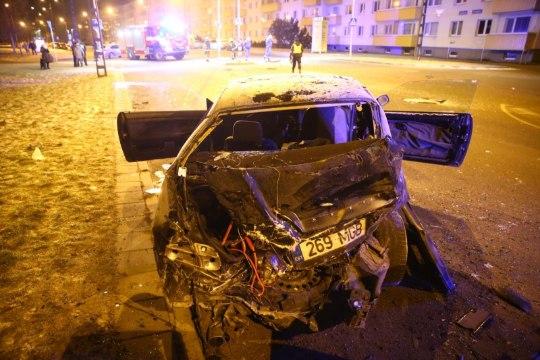 ФОТО: ночью в Ыйсмяэ произошла авария