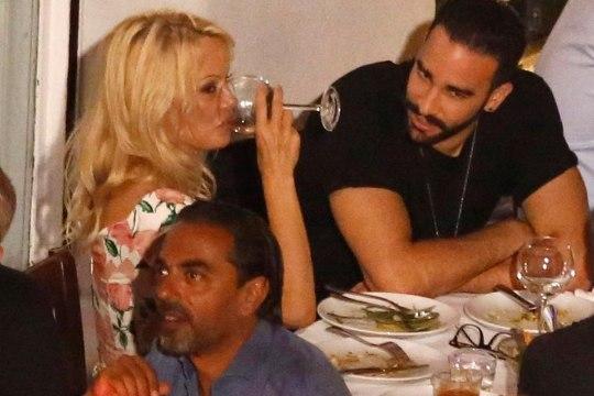Prantsusmaa vutikoondislase magusaim skoorimine: mees võttis rajalt maha megapommidega Pamela Andersoni