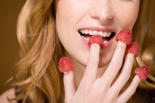 KAKS ÜHE HOOBIGA: toidud, mis peletavad nii stressi kui ülekaalu