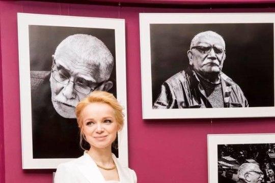 После развода с Арменом Джигарханяном его бывшая жена купается в роскоши