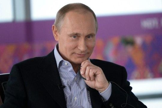 В избирательный фонд Путина поступило более 400 млн рублей