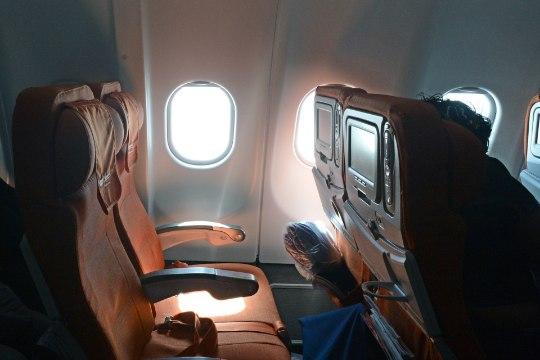 """Стюардессы рассказали """"омерзительную"""" правду о гигиене в самолетах"""
