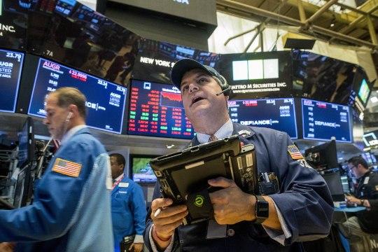 По всему миру обвалились биржи