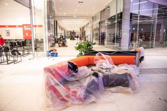 ÕL VIDEO JA FOTOD   T1 kaubanduskeskus on päev enne avamist kõike muud kui valmis