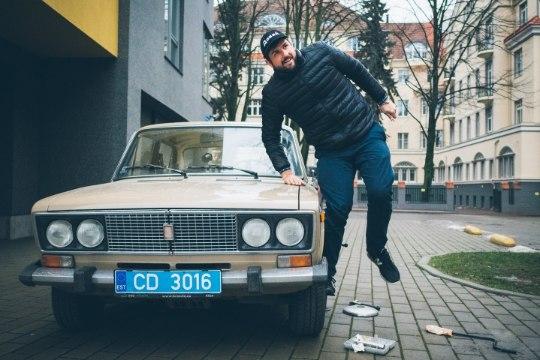 """ФОТО: сотрудник посольства США в Таллинне купил себе """"Жигули"""""""