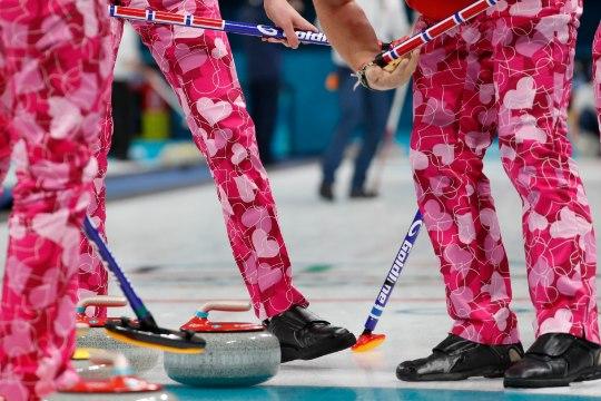 RÕLGE VÕI HUNNITU? Norralaste jääkeeglipüksid teevad konkurentidele silmad ette