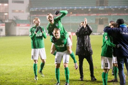 KOLMAS POOLAEG | Kas veebruaris ikka peab jalgpalli mängima? Kes tuleb Eesti meistriks?