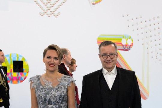 SUUR GALERII KÄTLEMISTSEREMOONIALT | Presidendipaar tervitas ligi 1500 külalist