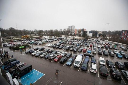 ГРАФИК: ТОП-10 торговых центров Эстонии, на парковках которых происходит больше всего ДТП
