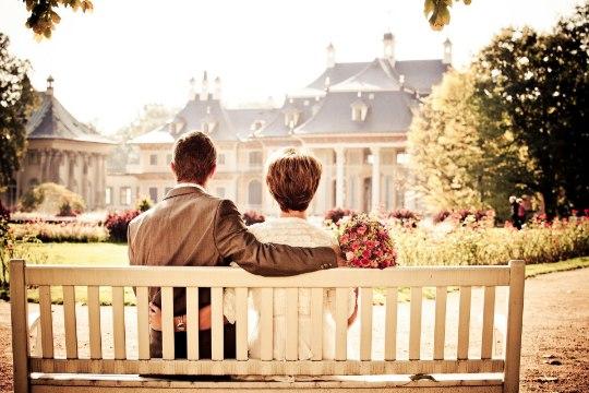 Ученые: Только небогатые люди счастливы в браке