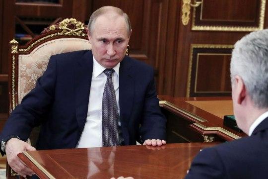 Пенсионер пришел на прием к Путину и был задержан (ВИДЕО)