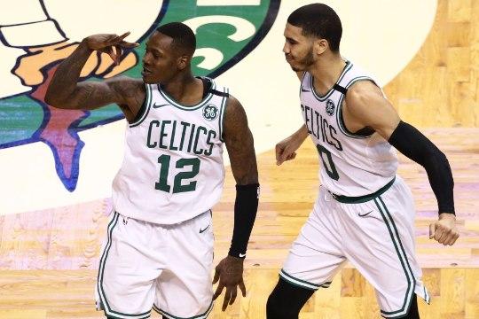 VIDEO | See mäng jääb meelde! Celtics ja Bucks pakkusid play-off'i seeria avamatšis uskumatu lõpu