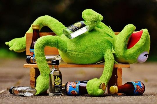 Учёные предложили пить в два раза меньше