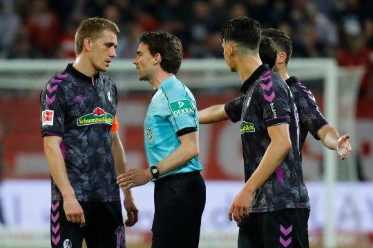 Videokohtuniku seiklused jätkuvad: Saksamaal määrati penalti siis, kui mängijad olid juba riietusruumis