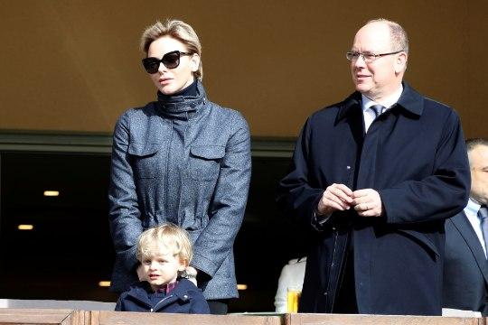 Monaco vürstinna Charlene ammutas soenguinspiratsiooni 1990. aastatest