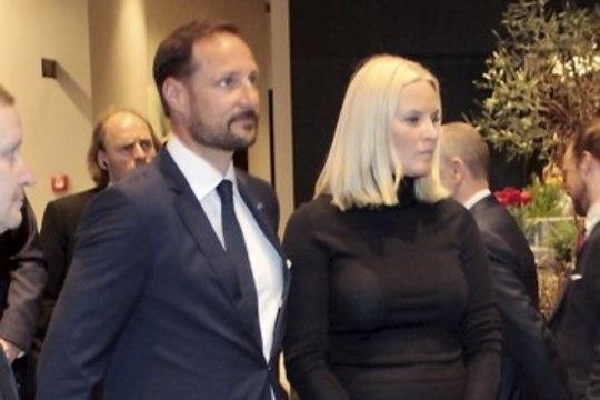 PILDID | Norra kroonprints Haakon ja kroonprintsess Mette-Marit veetsid hommikupooliku Hiltonis ärifoorumil
