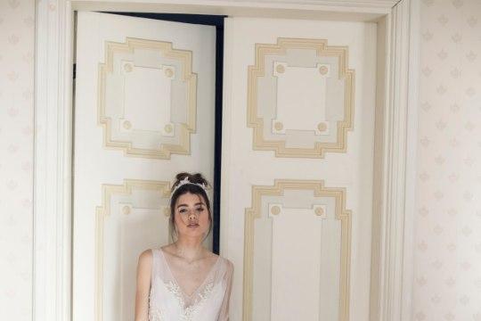 PILDID   Riina Põldroosi pulmakleitide kollektsioon lummab kallistavate luikedega
