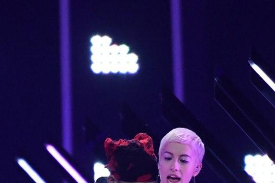 Eurovisionil lavavallutajaga silmitsi seisnud SuRie: mul on juhtunust paar marrastust