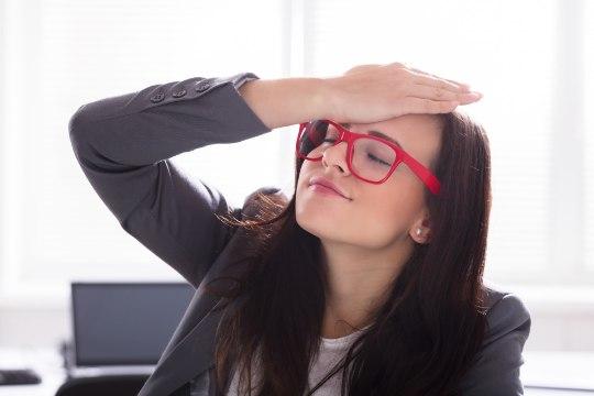 Viis põhjust, miks pea valutama kipub