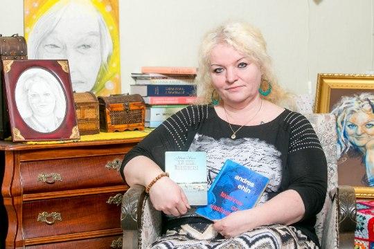 Kirjanik Margit Peterson koostab Erika Salumäe luulekogu