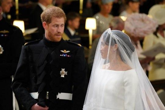 VEIDER VÕI SEKSIKAS: Meghan ja prints Harry inspireerisid rannarõivaid