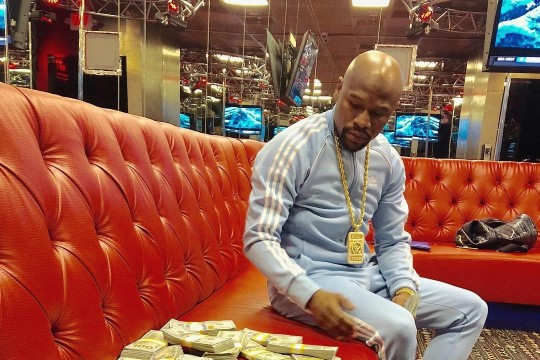 Multimiljonär Mayweather selgitas, miks ta luksuslike piltidega inimesi õrritab