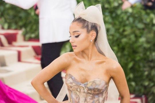 Ariana Grande kihlus vaid paarinädalase semmimise järel!