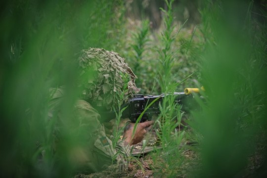 GALERII   Eesti- ja liitlasüksused harjutasid õppusel Saber Strike kaitse- ja ründetegevusi